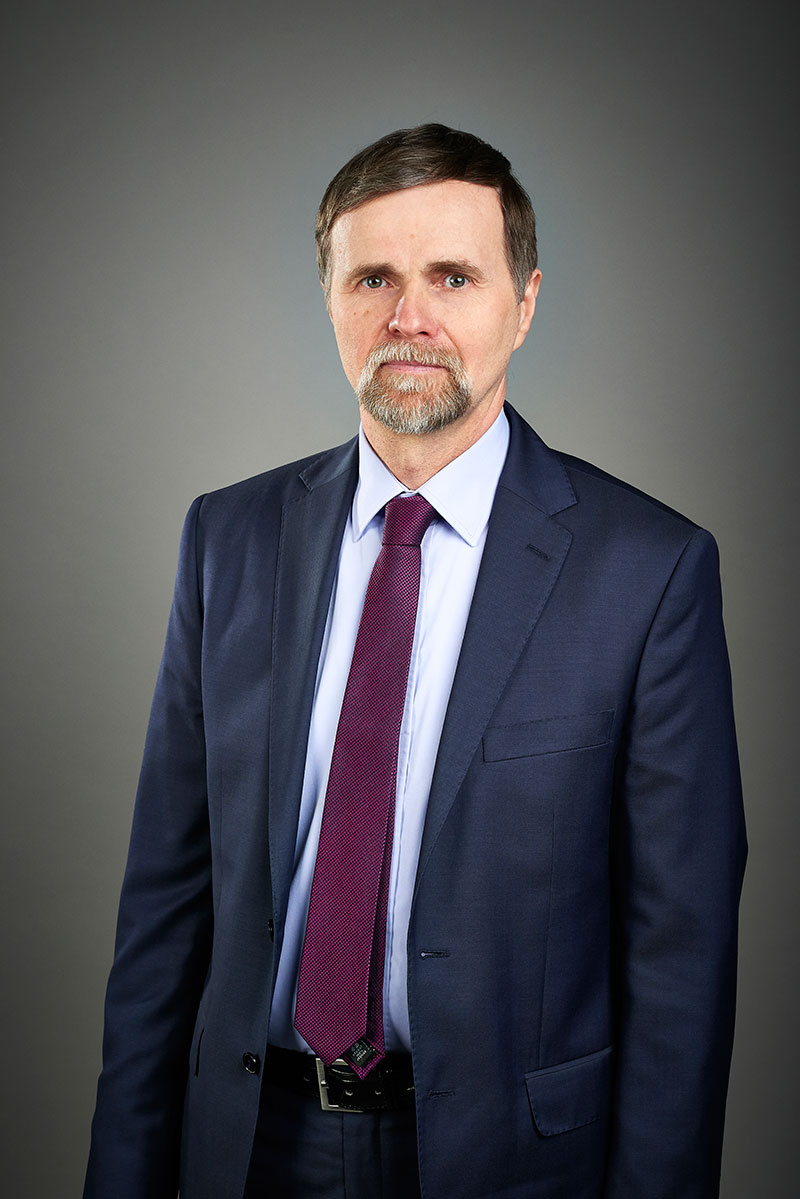 Zastępca Prezydenta ds. Gospodarki Przestrzennej i Inwestycyjno-Remontowej - Artur Maruszczak w biurze